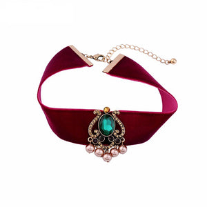 Red Velvet Green Crystal Choker
