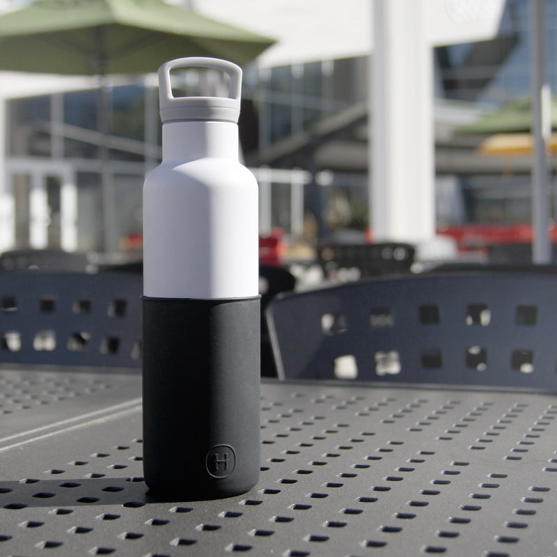 White-Midnight Black 20 Oz, HYDY - Water bottles, 18/8 (304) Stainless Steel, BPA Free, Reusable