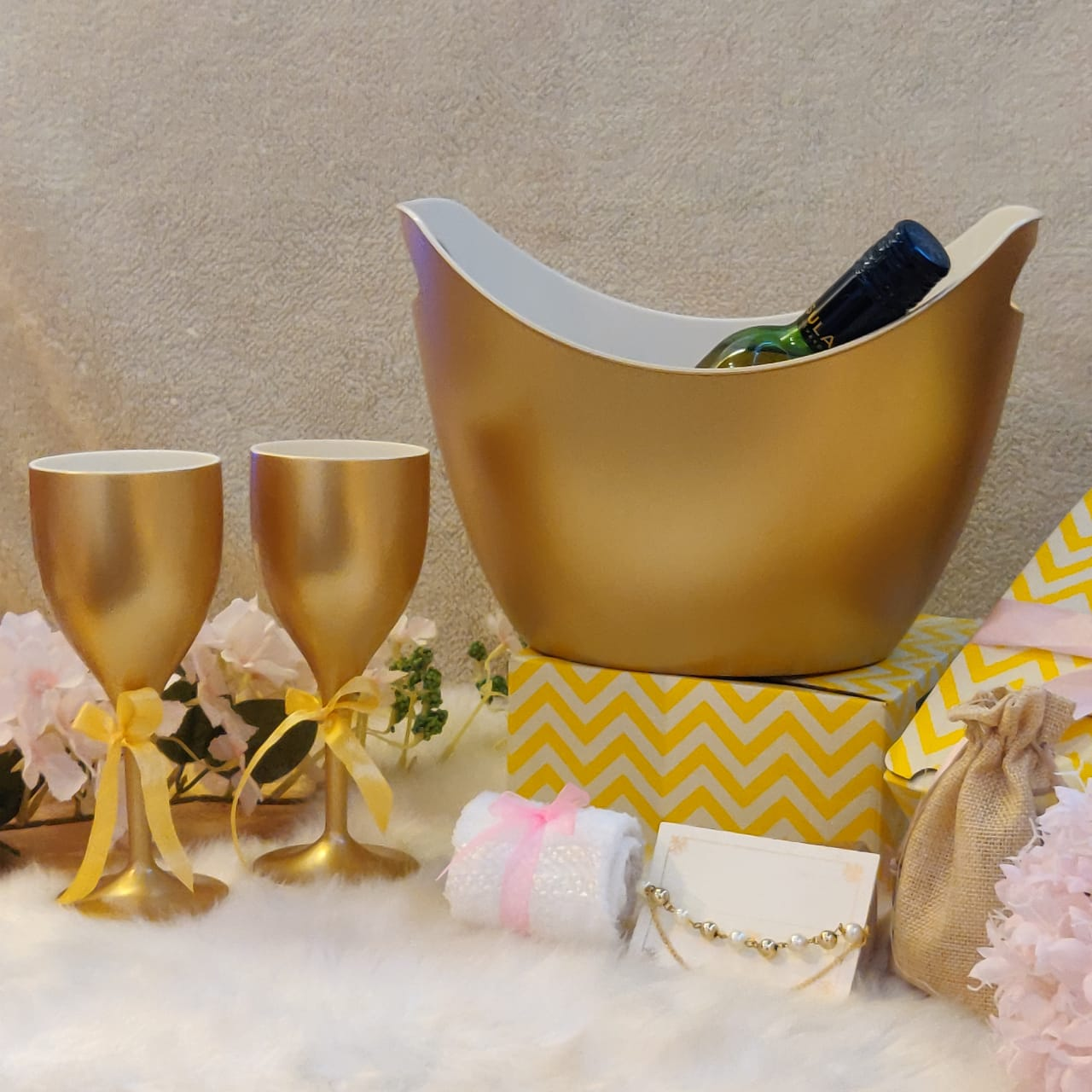 Non Breakable Wine Glass Gift Set with Chilling Bucket - Gold