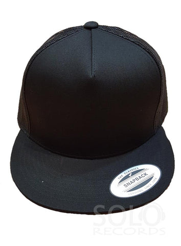 Techno black snapback cap with mesh back
