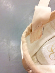 pointe shoe ribbon placement