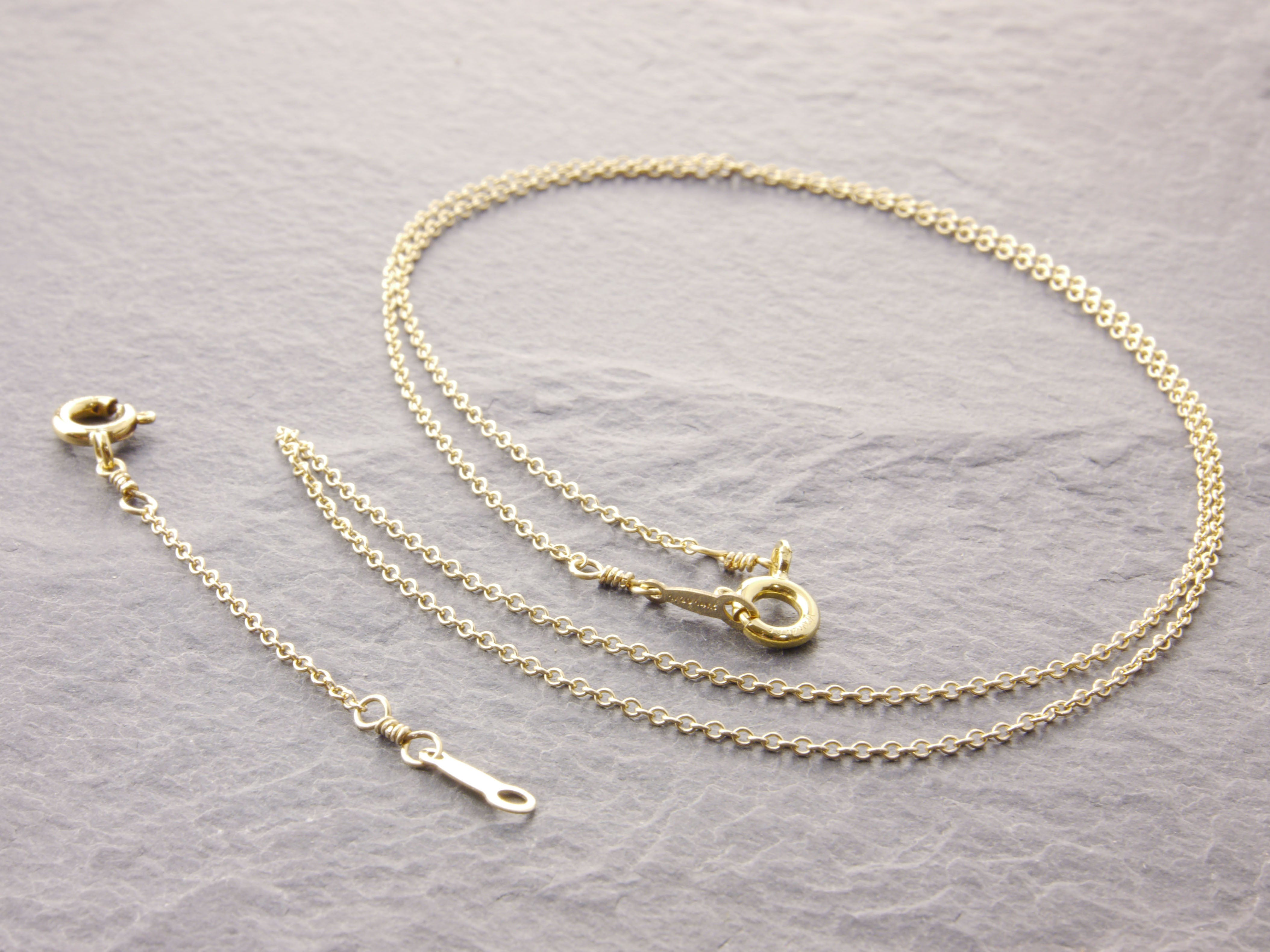 gold delicate chain with adjuster