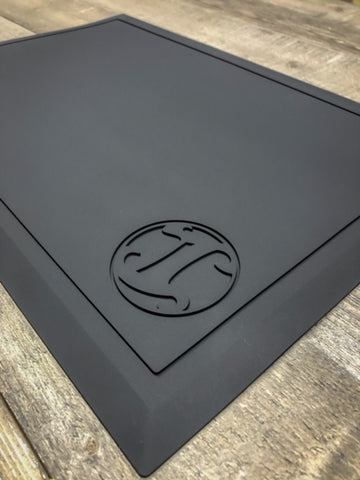 Tapered Mat - Black Logo