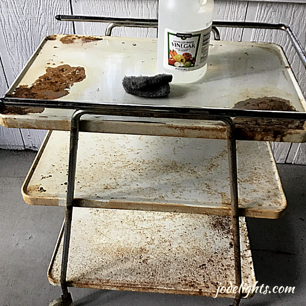 cleaning kitchen cart with vinegar