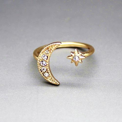Moon and Star Ring (Silver/Gold)