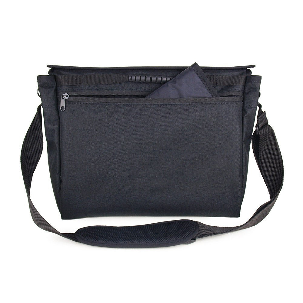 DadGear Messenger Style Diaper Bag - Bottle Pocket