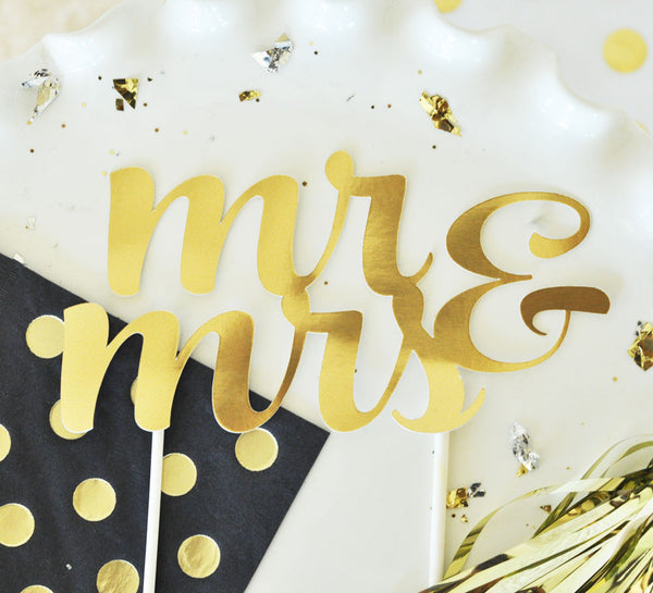"""thirty"" Gold Cake Topper"
