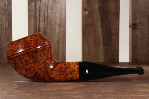 Devil Dog - Light Contrast Smooth with Tapered Stem