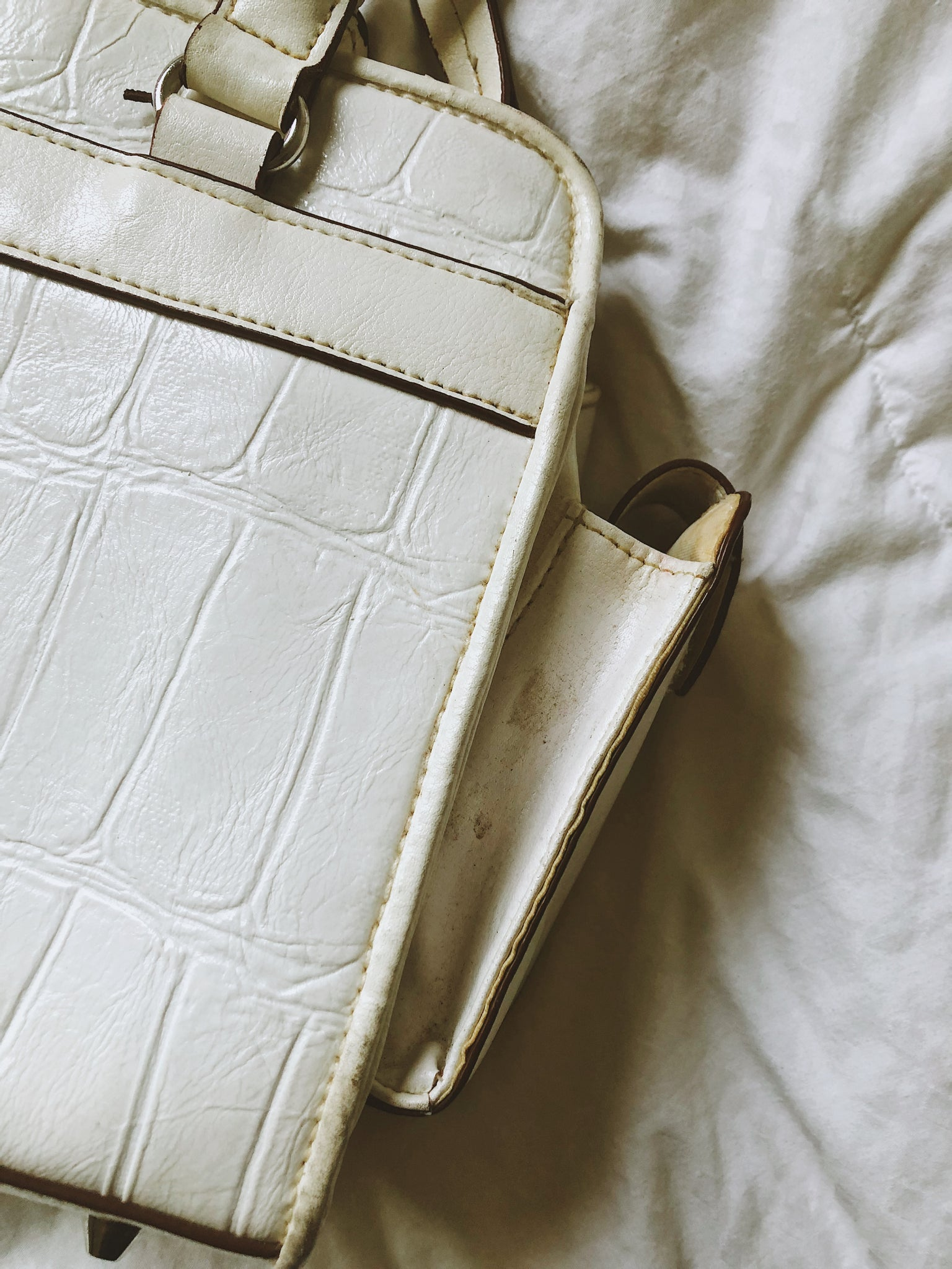 Vintage White Detailed Purse