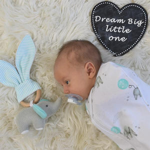 The Living Textiles luxuriously soft 100% cotton jersey swaddles make swaddling a breeze. Featuring a hip healthy design and 2-way zip so you can change baby without waking them. Swaddling can be a great way to keep baby from being disturbed by their own startle reflex and make them feel warm and secure as if they were cocooned in the womb.
