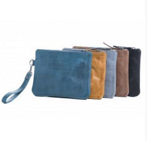 GILI CLUTCH RUGGED HIDE