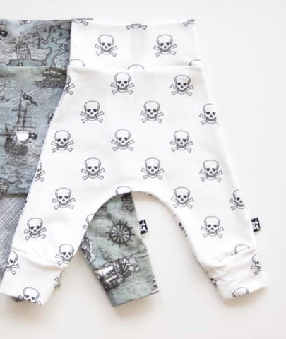 Skulls and Crossbones- Harem Leggings