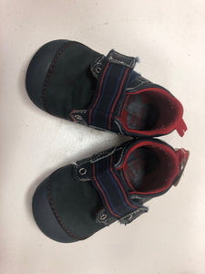 Stride rite shoes 5.5 - Le Bébé Chic Boutique