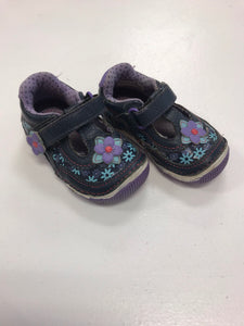 Stride rite shoe 4.5 - Le Bébé Chic Boutique