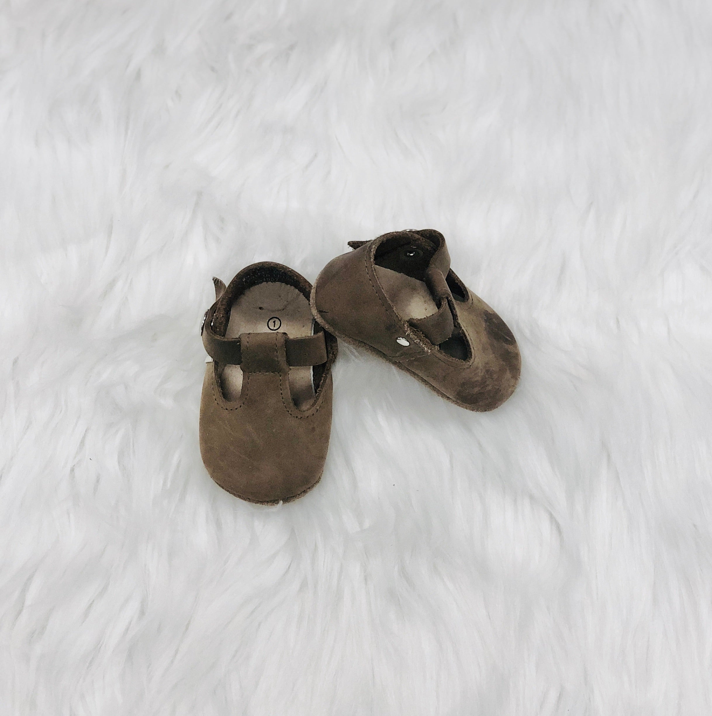 "Piper Finn size 1 shoes (babies foot is smaller than 4"" in length) - Le Bébé Chic Boutique"