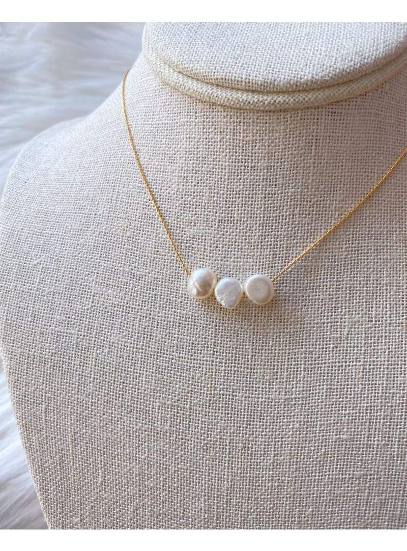 Tripple Pearl Necklace