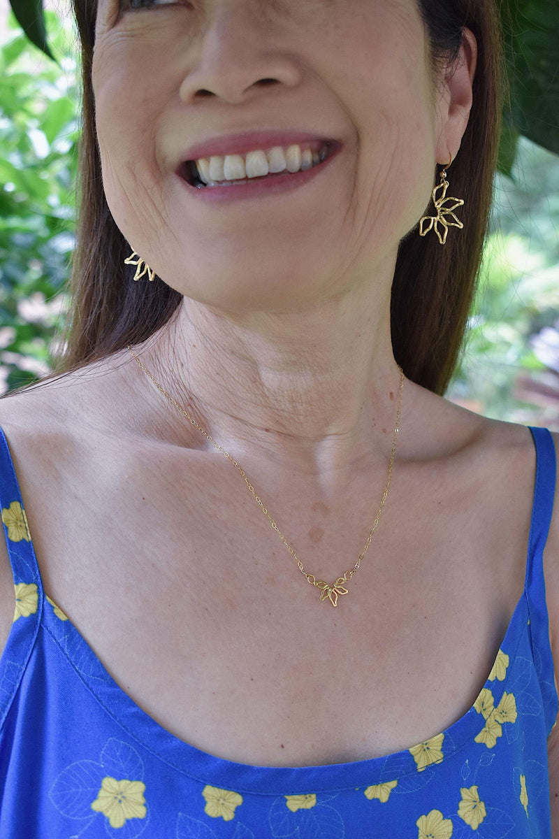 Naupaka dangle earrings