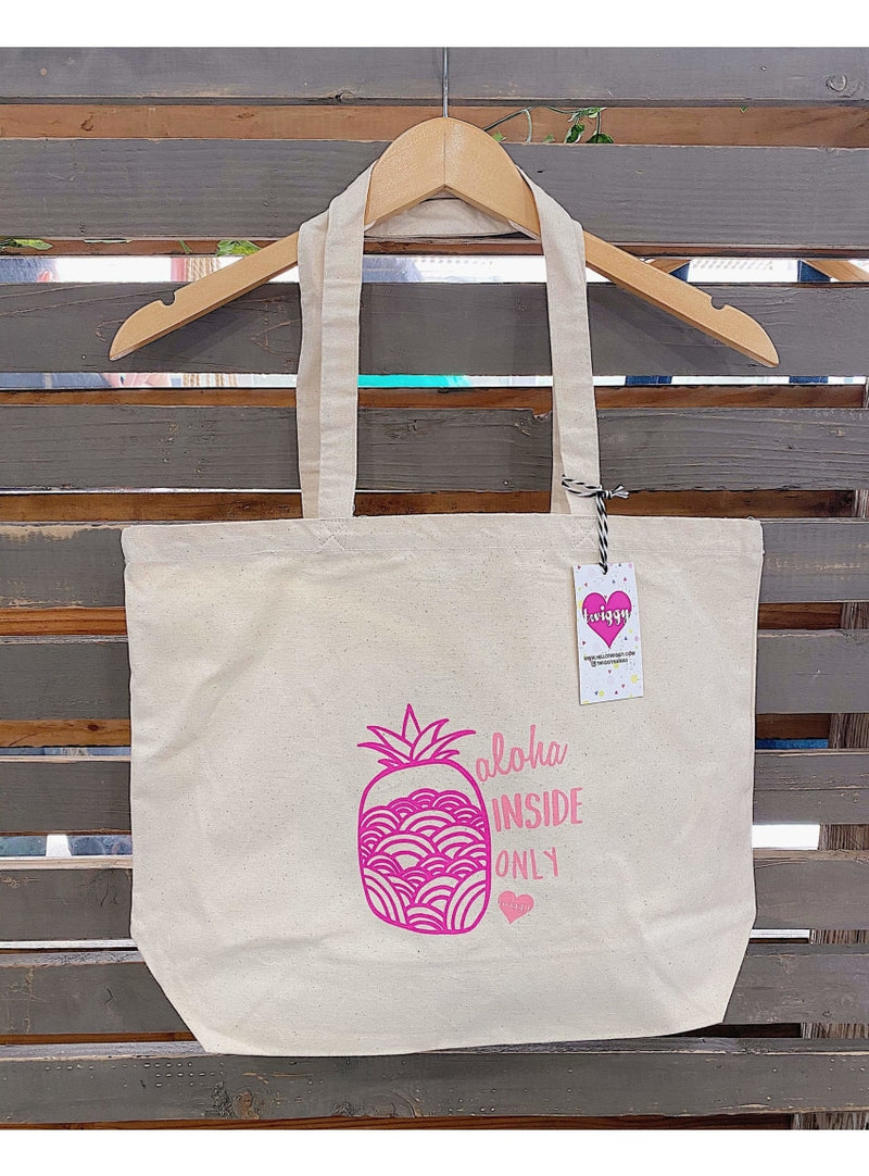 Twiggy Hawaii Handbag Pineapple Tote in Pink Boss Babe Tote | Twiggy Hawaii at Valia Honolulu Valia Honolulu
