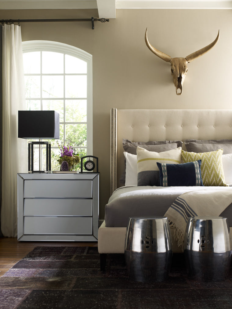bailey-upholstered-bed-queen