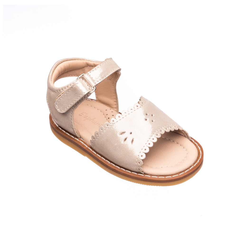 Classic Sandal with Scallop Toddler Talc