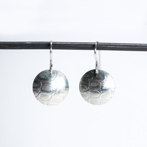 Chic Round Alligator Skin Patterned Earrings - Sterling Silver