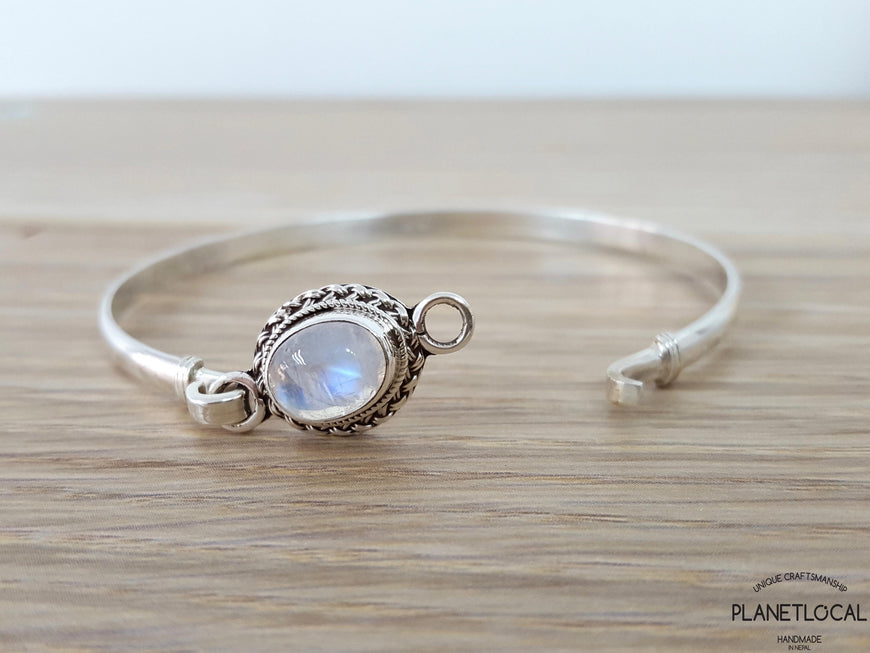 STATEMENT-Handmade 925 Sterling silver Labradorite & Moonstone Bangle - PLANETLOCAL (3)