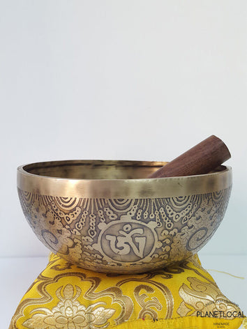 20cm Compassion Mantra & Double Vajra Etched Singing Bowl