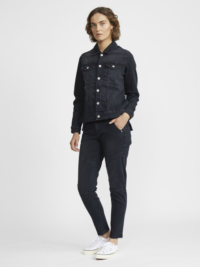 Slim Boyfriend Jean | Black Wash
