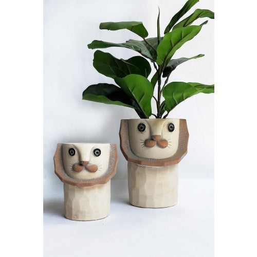 Lion Tall Planter Tall