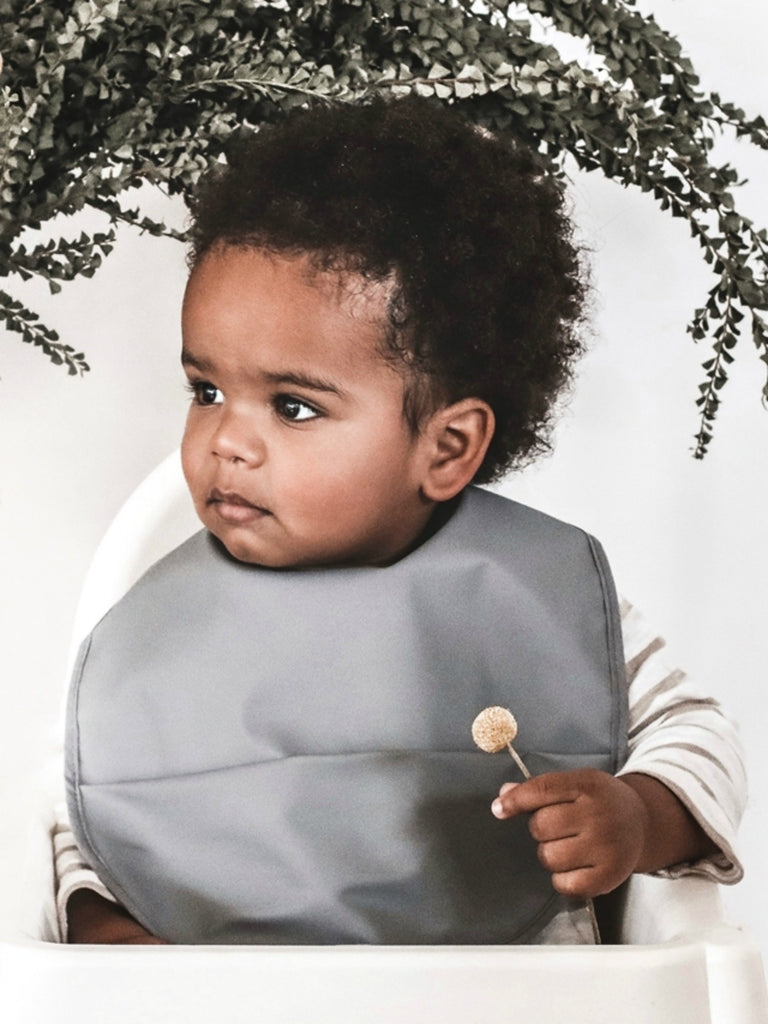 Snuggle Bib | Grey