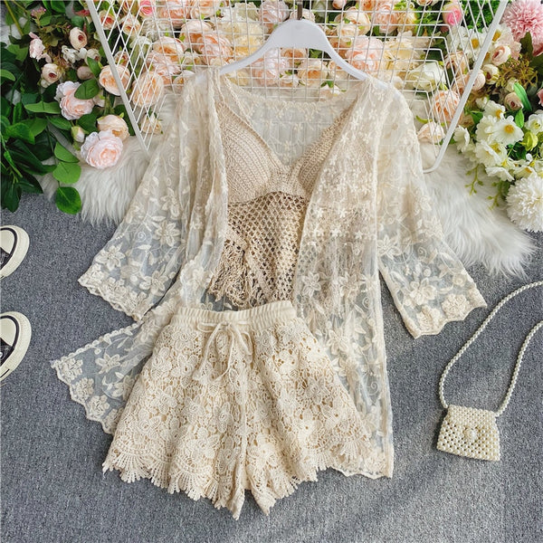Top + lace blouse +high waist Wide leg shorts three Piece Sets CODE: KAR907