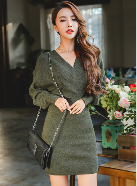 Batwing V-neck Hip-packed Knit Dress CODE: mon554