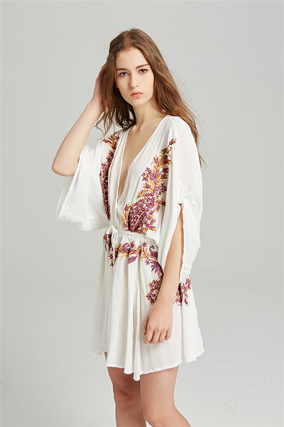 Low V-neck Embroidery Loosen Dress CODE: mon723
