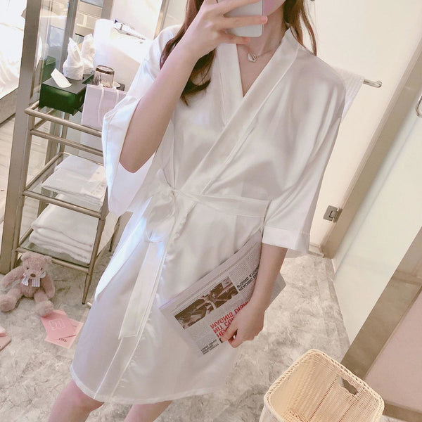Short-sleeved thin sexy nightgown bathrobe CODE: KAR911