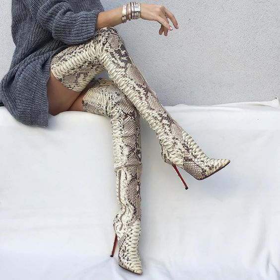 Snake pattern knee pointed sexy high heel boots CODE: mon1728