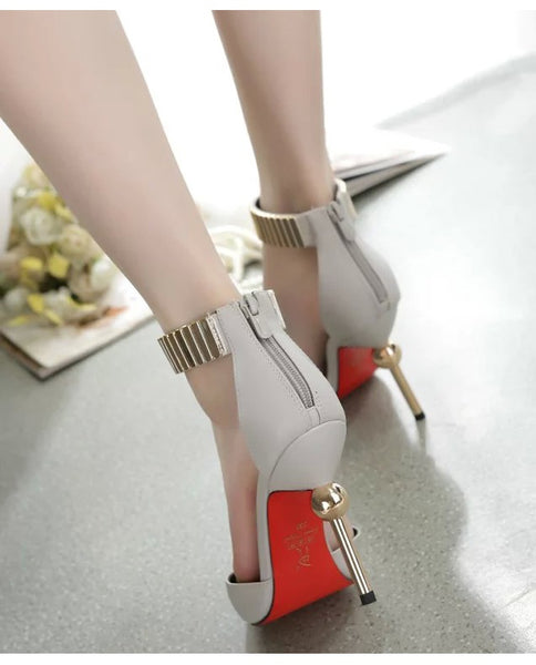 Pointed high heels fine with metal CODE: mon499