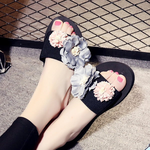 hand of flowers cool slippers CODE: mon600