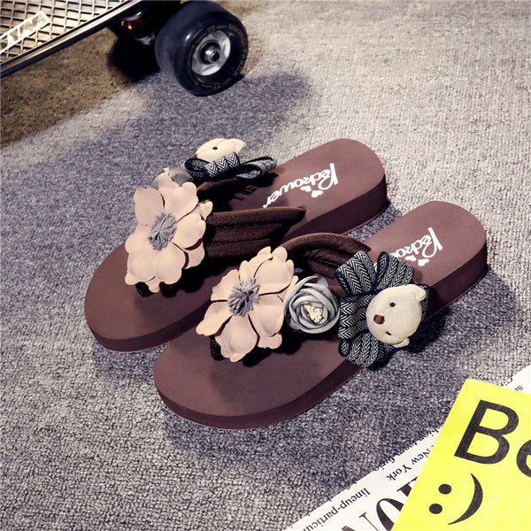 hand cartoon characters dragged Cool slippers CODE: mon602