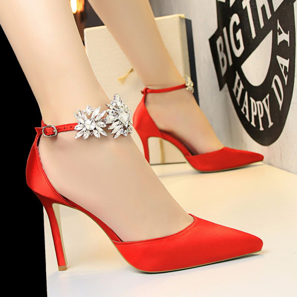 Diamond high-heeled satin mouth pointed diamond shoes CODE: mon637