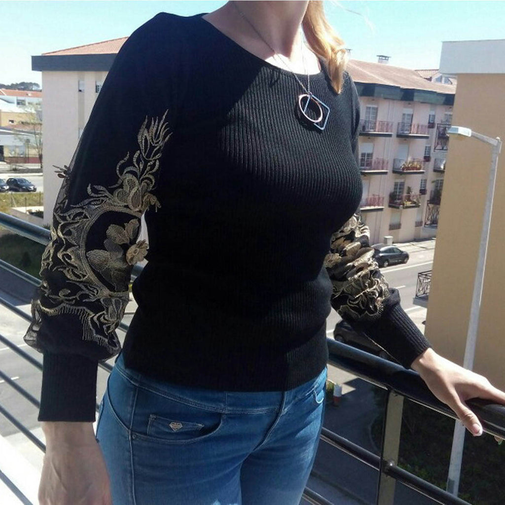 embroidered long-sleeved sweater round neck Top CODE: mon804