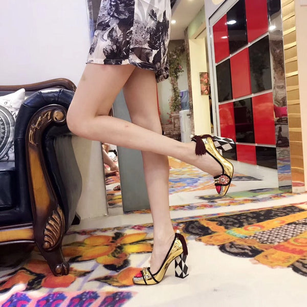 runway heart rivets high-heeled shoes CODE; mon832