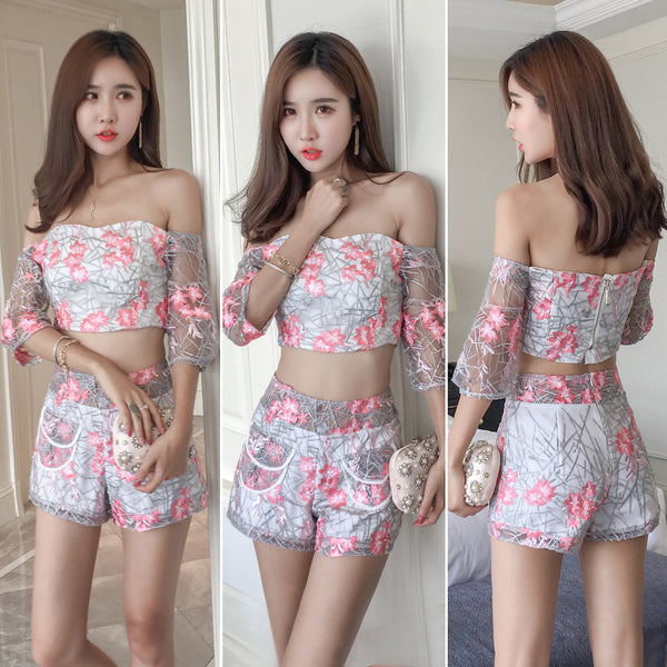 Off shoulder Embroidery high end 2 piece set CODE: mon911