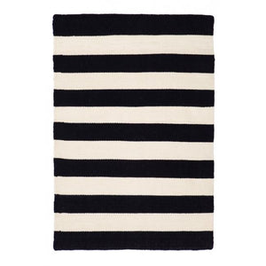 Indoor Outdoor Recycled Plastic PET Polypropylene Rug Nantucket Black and White