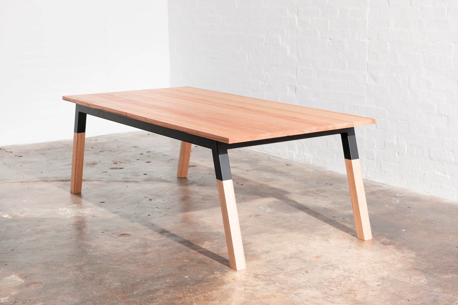 How to maintain a Zeele dining table?