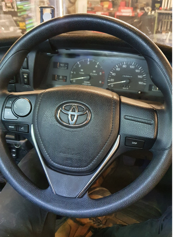 HILUX STEERING WHEEL CONVERSION - HORN ADAPTER HUB