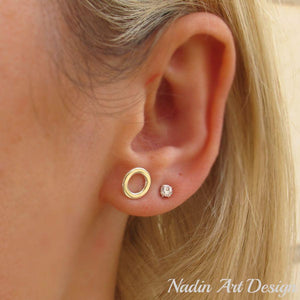 Minimalist silver circle earrings