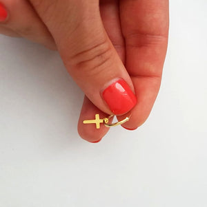 Dangling Small cross earring