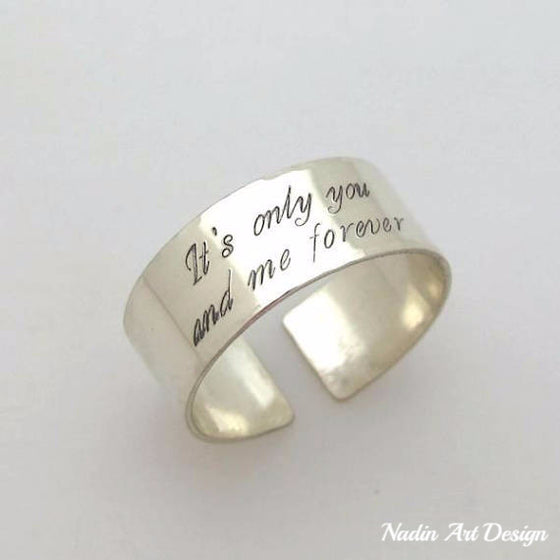 Text silver band ring