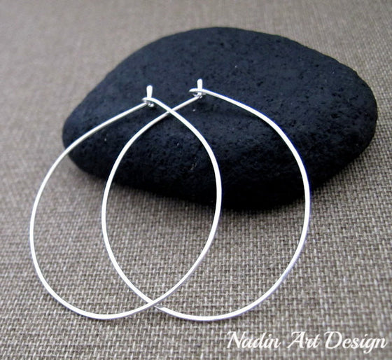 Silver teardrop earings