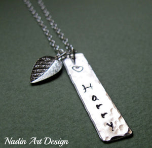 Vertical Pendant Necklace w/h Leaf Charm